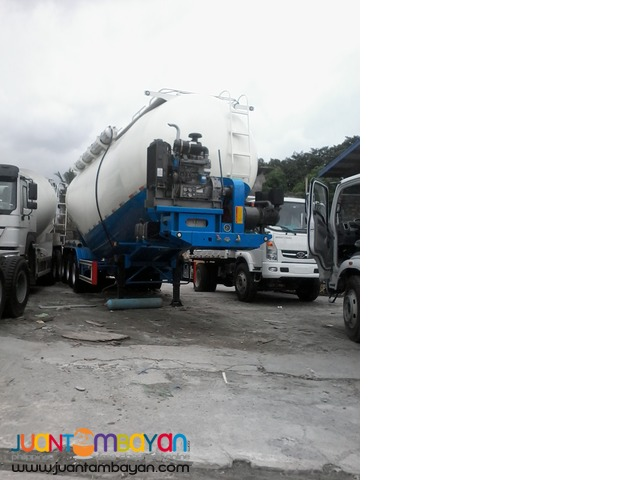 Tri-Axle Bulk Cement 45m3 Tank Volume  Carrier 40Tons