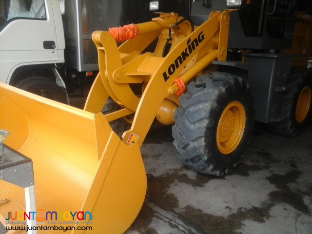 CDM816 Wheel Loader .95m3 Capacity   Rated PayLoad: 1.6Tons