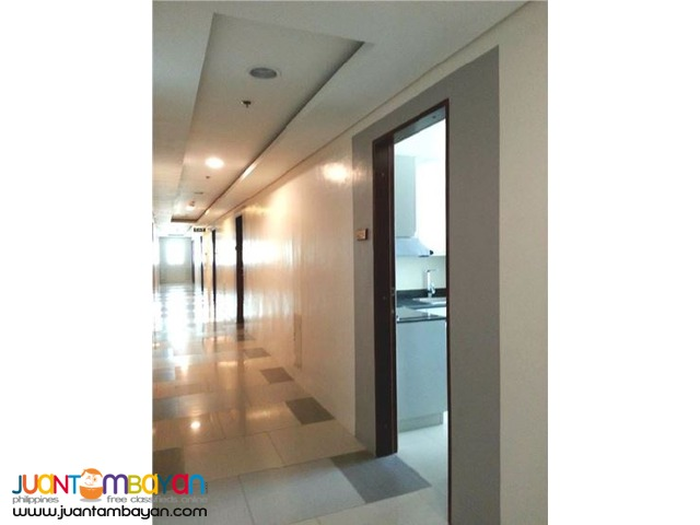 FURNISHED/PRICE LOWERED UNIT FOR SALE in The Beacon, Makati City