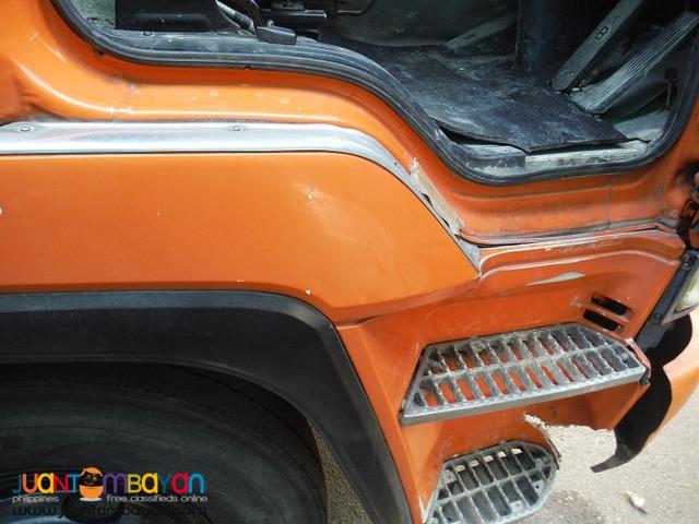 Orange ISUZU 10 Wheeler Single Headlight Transit mixer JP Surplus