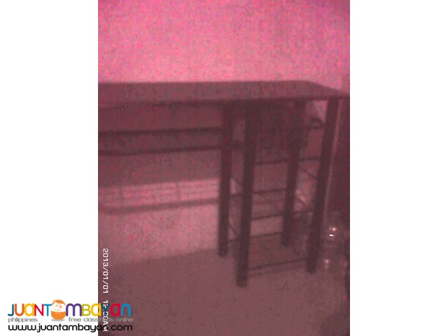 table with 2 high chair