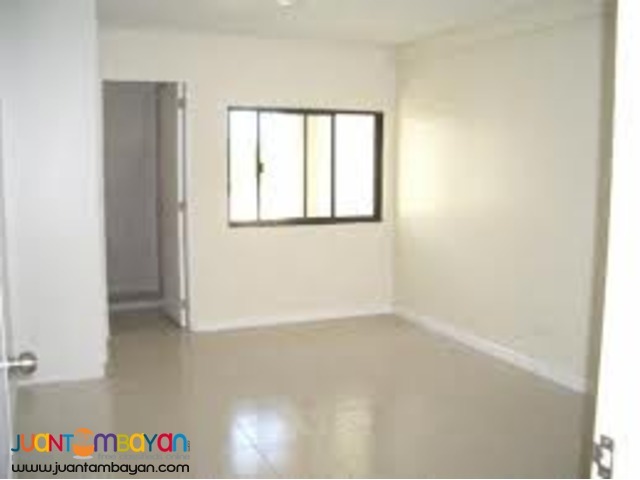 2Bedroom w/ Parking For Sale at BSA TWIN TOWER FRONT SM MEGAMALL