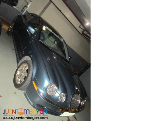 Luxuiary Car ( Jaguar 2001 model )