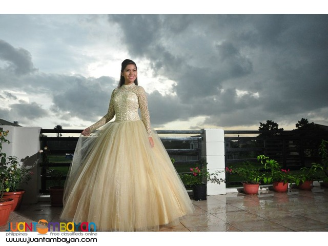 Debut Pictorial