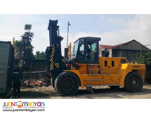 SOCMA + HNF250 Forklift