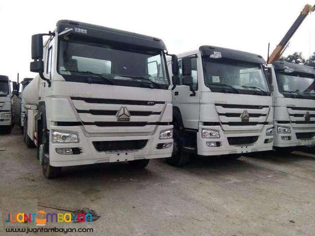 For sale 10 Wheeler Oil truck howo Sinotruk