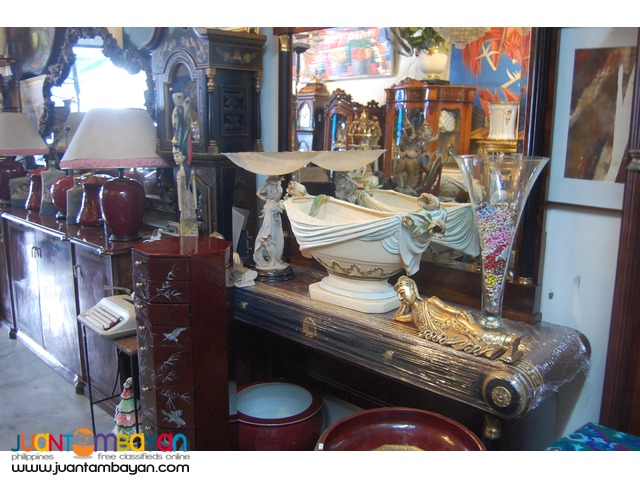 Buying used house furniture decors and artworks