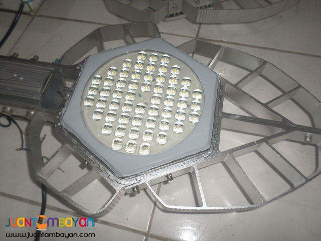 LED street light water prof 220v 60wats brandnew