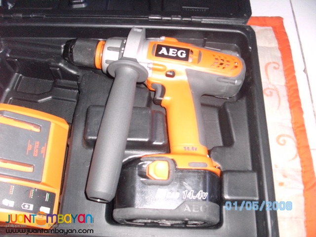 AEG hgammer drill 12v with 1 battery 1 charger brandnew