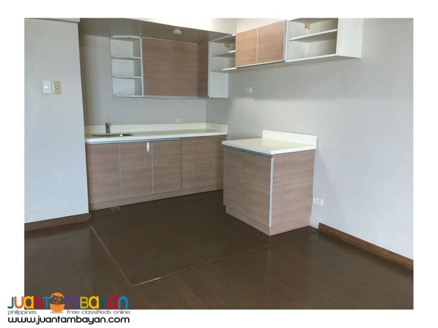FOR SALE!!! Huge condo in the center of Cubao, Quezon City