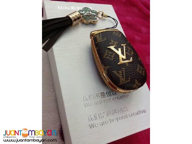 quality design e3ddb ae216 LOUIS VUITTON CELLPHONE - LV FLIP PHONE