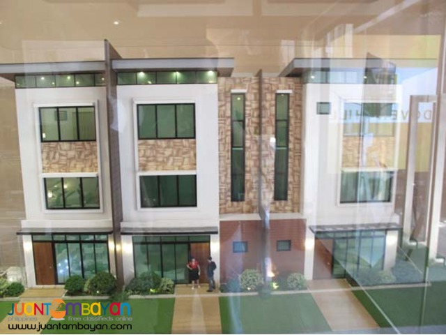 PH136 San Juan Metro Manila House at 21.8M