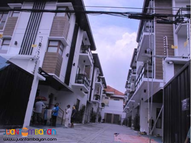 PH477 Townhouse for Sale in New Manila 41M