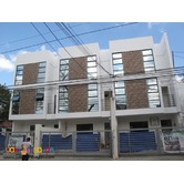 PH523 Classy Townhouse in West Fairview Quezon City at 6.4M