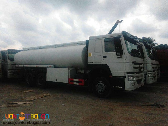10 Wheeler HOWO Oil Truck, 371HP  20KL Capacity