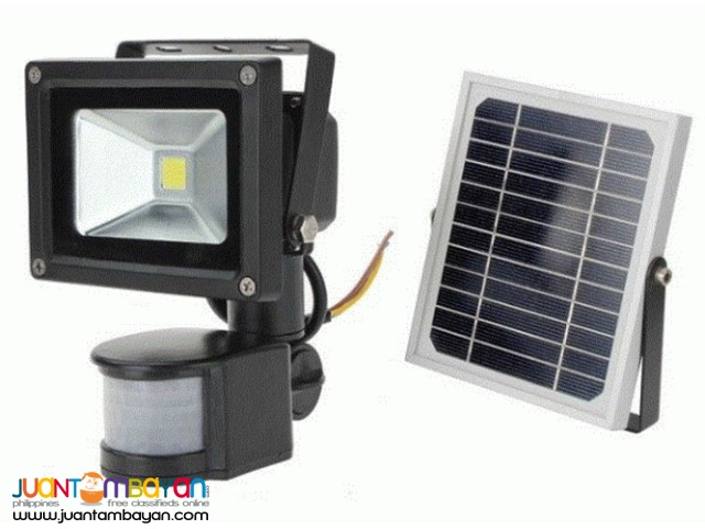 PowerStar Solar Flood Light