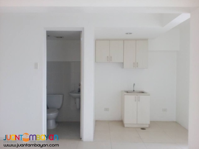 Pine Crest Condo in QC, 2 bedroom for long term lease only!
