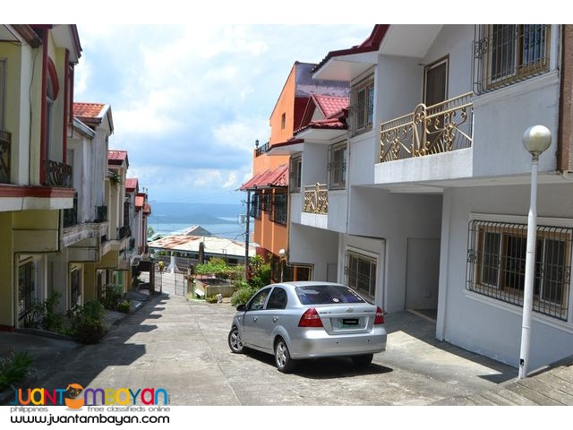 Tagaytay townhouse overlooking Taal lake at the roof top