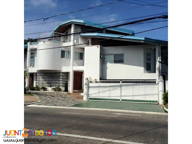 5 Br Ayala Alabang Newly Renovated House For Lease 230k per month