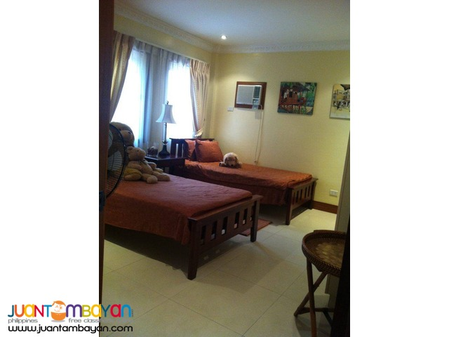 Big Beautiful Home Cebu with 4 parking Fully Furnished