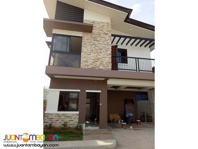 For sale house in minglanilla - duplex walking distance to main road