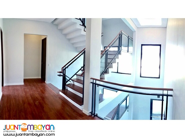 "3 STOREY PORTOFINO MODERN ITALIAN ""SMART"" HOUSE FOR SALE Php 45M"
