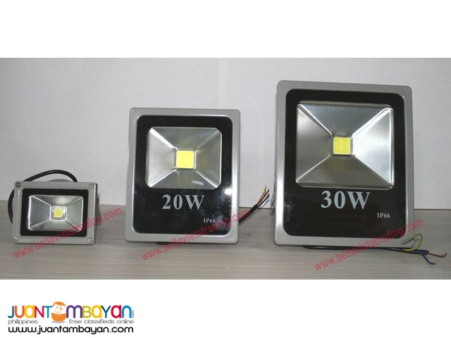 FLOODLIGHT / FLOOD LAMP