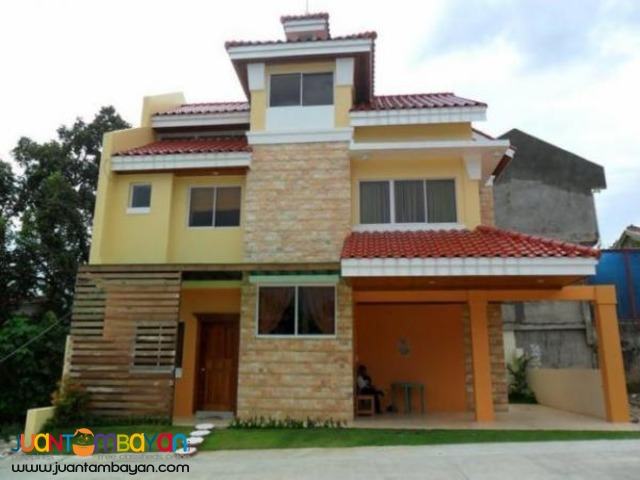 5BR house with Attic at Kentwood Subdivision, Banawa, Cebu City