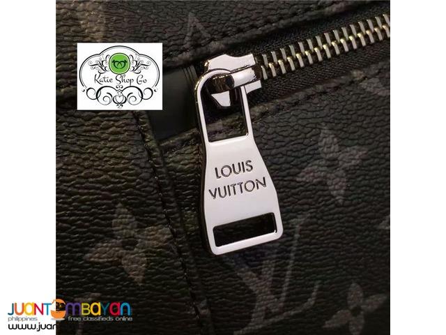 Louis Vuitton Messenger PM Explorer