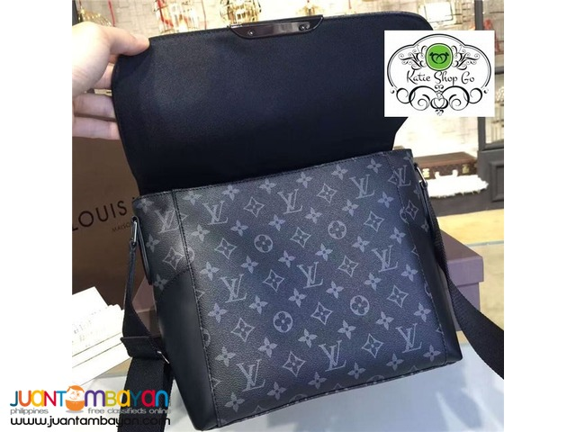 Louis Vuitton Messenger MM Explorer