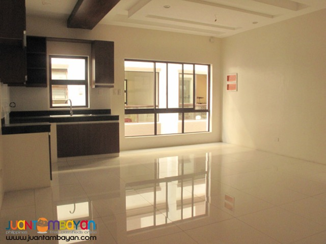 PH543 Townhouse for sale in Tandang Sora QC at 6.9M