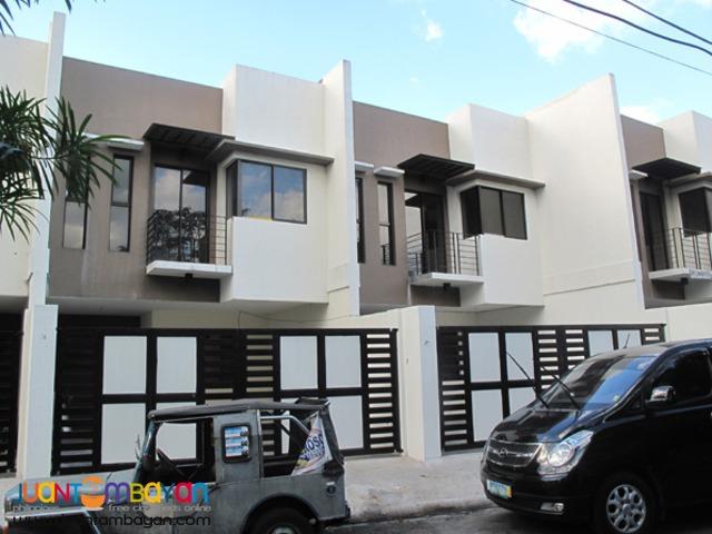 PH351 Townhouse in Tandang Sora Area 6.9M