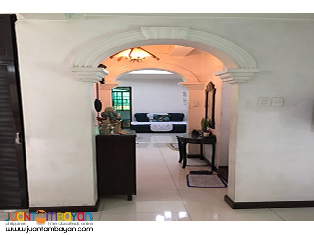 PH796 Townhouse in Tandang Sora for Sale at 50M