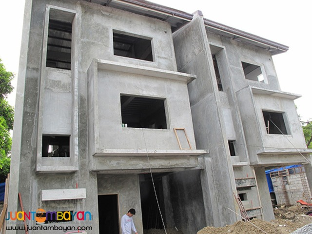 PH700 Townhouse For Sale In Harmony Place At 8.595M