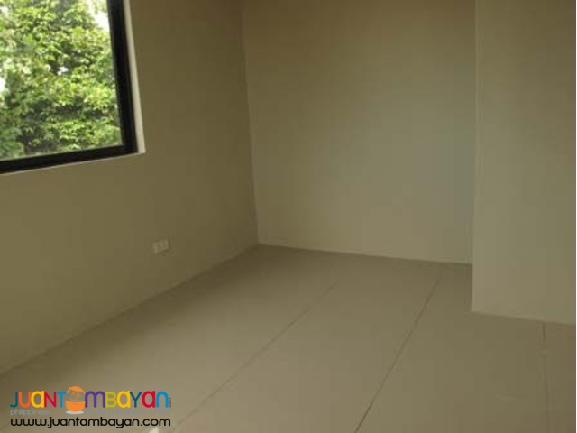 PH486 Townhouse for Sale in Kings Point Quezon City 4.4M