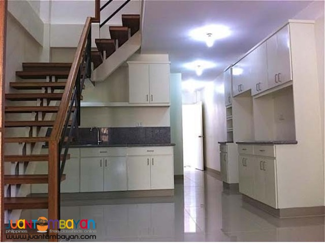 PH29 Mindanao Ave Townhouse at 4M