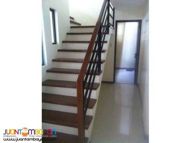 PH797 West Avenue Quezon City's Classy House and Lot at 14M