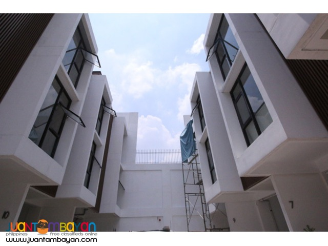 PH527 Elegant Townhouse in Cubao Quezon City at 7.240M