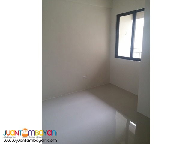 PH519 Townhouse For Sale in Cubao 8.5M