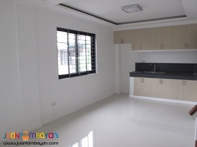 PH768 Townhouse for Sale in Cubao at 9M