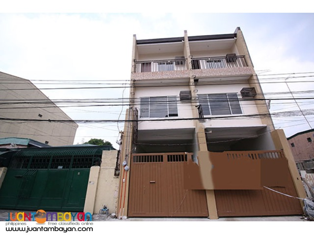 PH814 Townhouse For Sale In Kamias At 10.5M