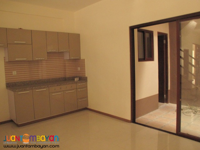 PH729 Townhouse For Sale In East Fairview at 5.8M