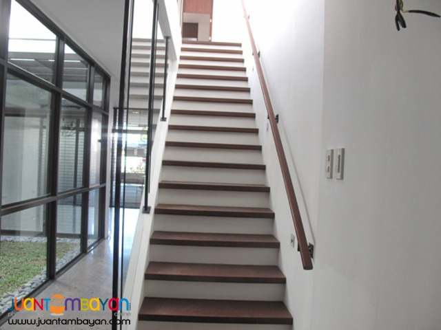 PH105 Townhouse in Fairview at 9.850M
