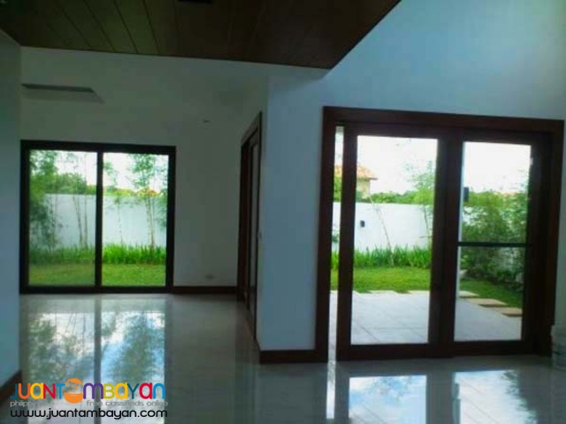 PH318 Single Detached House and Lot in Brittany Quezon City at 19M