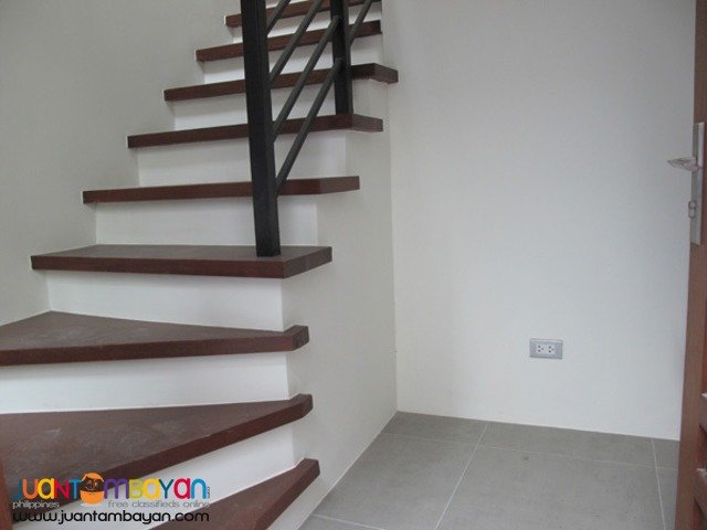 PH112 Classy Townhouse in Don Antonio at 8.580M