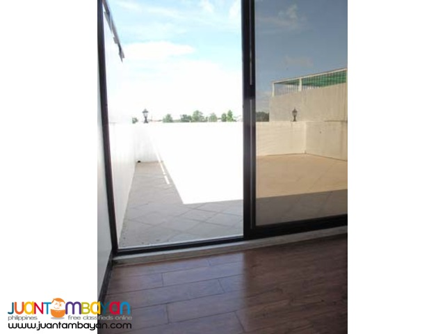 PH114 Fancy Townhouse in Don Antonio Commonwealth at 11.5M
