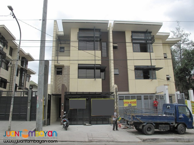 PH582 House in lot For Sale in Scout Area Q.C at 15.5M