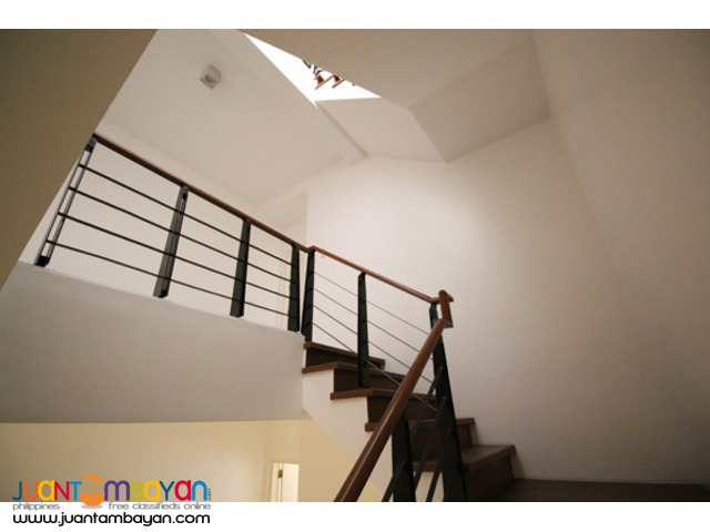 PH560 Townhouse for Sale in Scout Area at 16.950M