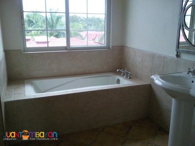 70k 4BR Overlooking House For Rent in Cabancalan Mandaue Cebu