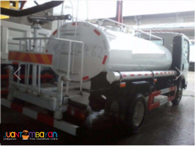 6 Wheeler Sinotruk Water Truck 4000L Isuzu engine